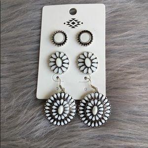 Jewelry - White navajo style earrings
